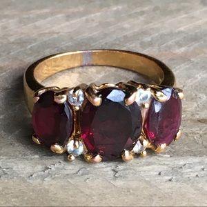 Vintage Gold Garnet Ring